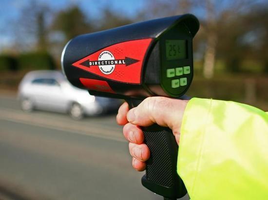 СМИ узнали о поручении штрафовать за превышение скорости на 10-20 км/ч
