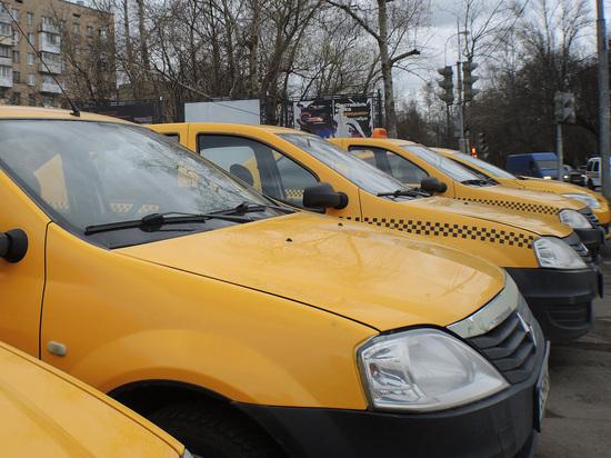 Госдума приняла в первом чтении странный законопроект о работе такси