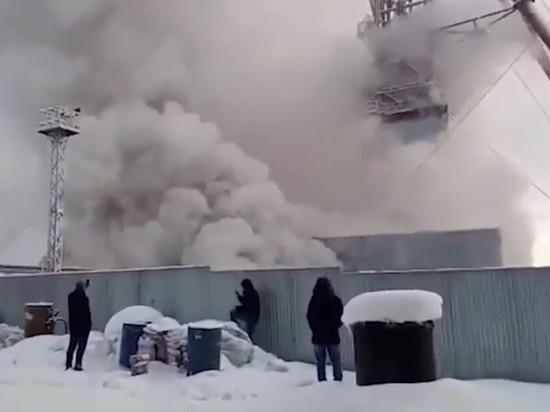 Опубликовано видео с поверхности горящей шахты в Соликамске