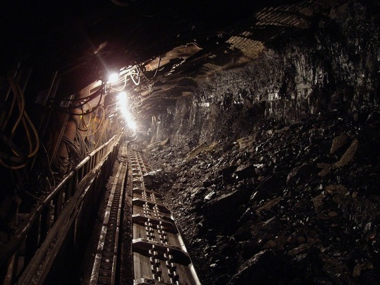 Девять горняков заблокированы в горящей шахте в Соликамске