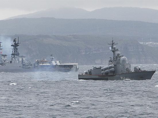 Главком ВМФ предупредил о наращивании у российских рубежей американского оружия