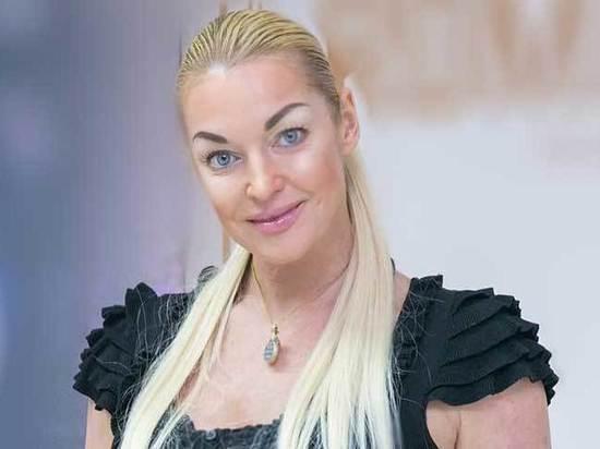 «Пытался затащить в баню»: Волочкова рассказала о домогательствах сенатора Арашукова