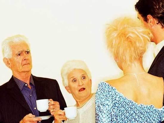 Причуды пожилых родителей: «Мой папа решил жениться на гастарбайтерше»