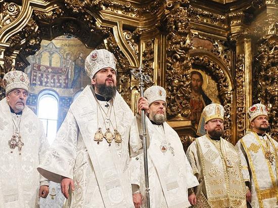 Предстоятель новой церкви Украины в пику Порошенко поздравил Кирилла с Рождеством