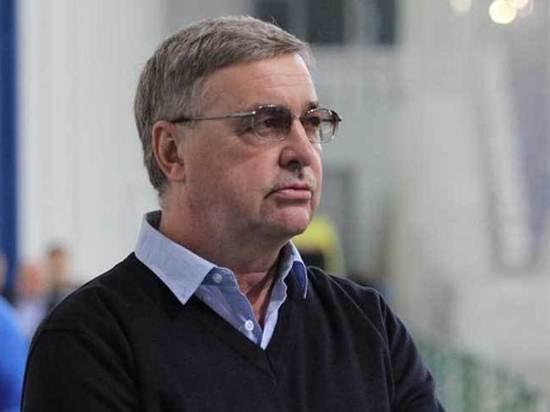 Тренер Борис Стукалов пожаловался на нехватку игроков в сборной