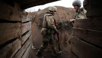 Передвижение российских войск и разговоры о вмешательстве вызывают беспокойство в Украине