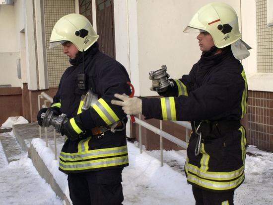 Подъезд жилого дома в Магнитогорске обрушился при взрыве газа
