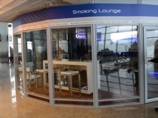 Правительство вернет «курилки» в аэропорты: кому это выгодно