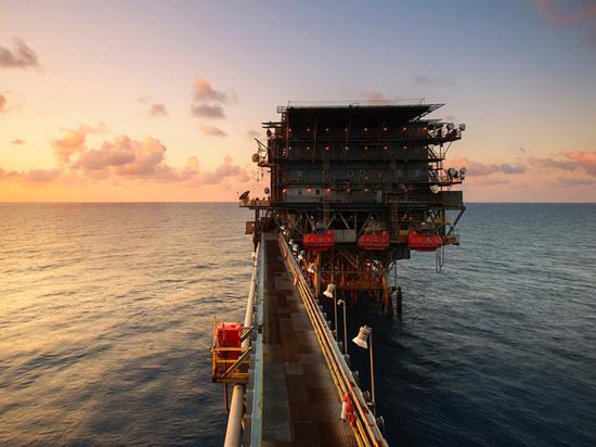 Падение цен на нефть породило «черный» сценарий для России
