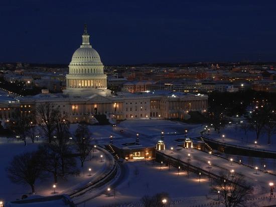Правительство США приостанавливает работу