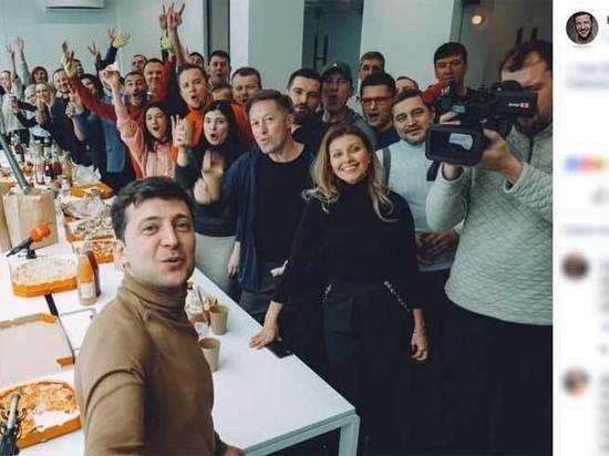 Зеленского в президенты Украины выдвинула партия из сериала